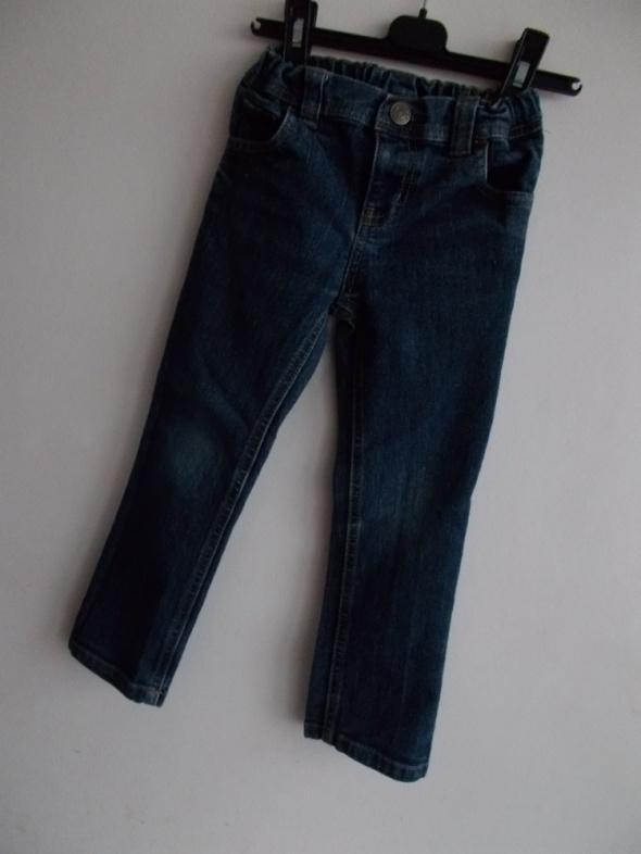 Spodnie Jeans 104...