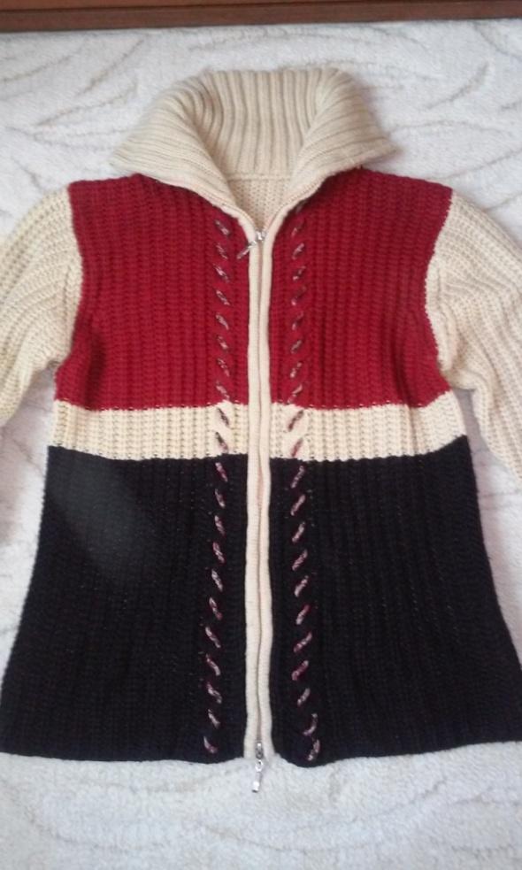 Unikatowy sweter na suwaki