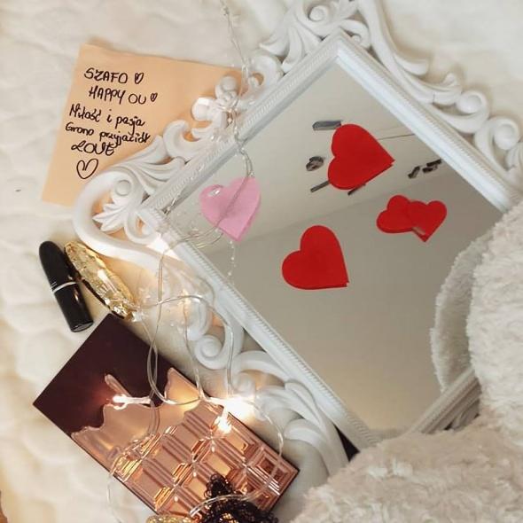 Walentynki na szafie