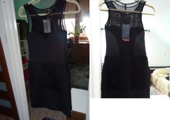 Nowa sukienka z frędzelkami Stradivarius rozmiar 3...