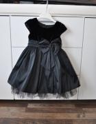 Śliczna elegancka sukienka dla małej damy...