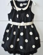 Elegancka sukienka dla małej damy...