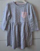 Śliczna szara sukienka w serduszka...