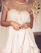 szukam takiej sukienki kolor czarny...