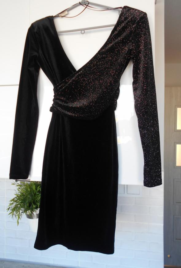 a34dac708c Suknie i sukienki Bershka nowa welurowa aksamitna sukienka wieczorowa czarna