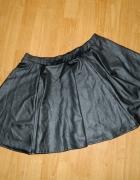 Internacjonale rozkloszowana mini spódnica roz 40...