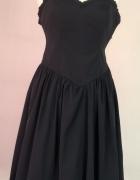 Isabell Kristensen czarna sukienka balowa