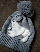 nowa czapka z misiem polarnym i pomponem 5 9 lat...