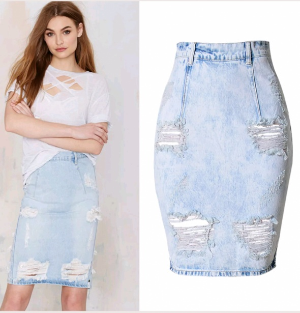 Spódnice Spódnica jeansowa z dziurami