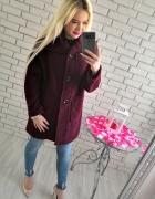 Bordowy wełniany płaszcz oversize...