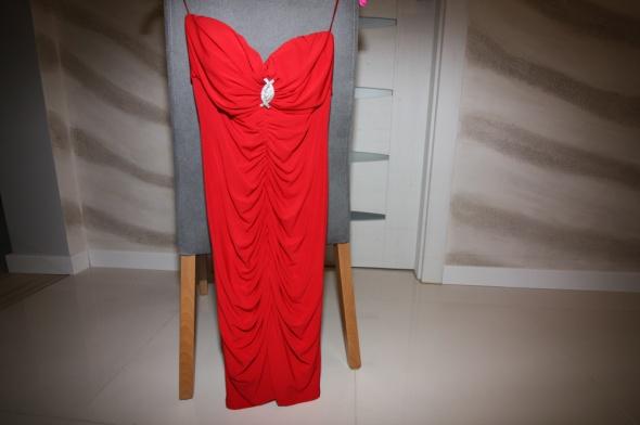 Suknie i sukienki Czerwona dopasowana sukienka rozmiar 36