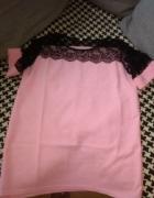 Różowa bluzka z koronką