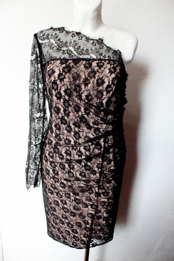 Suknie i sukienki Piękna elegancka koronkowa sukienka r 44