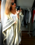 Sweterek narzutka wełna