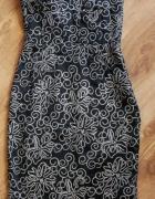 Czarna ołówkowa sukienka...