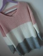 Sweterek z wiązaniem na plecach trojkolorowy