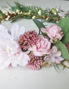 wianek panieński ślubny rustykalny zieleń boho retro róż kwiatowy