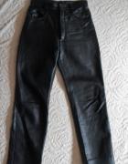 Czarne spodnie ze skóry 38 wysoki stan