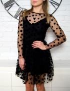 Sukienka w czarne gwiazdki
