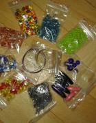 Mini zestaw plastikowych koralików