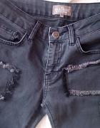 jeansy rurki Wrangler wstawki łaty S