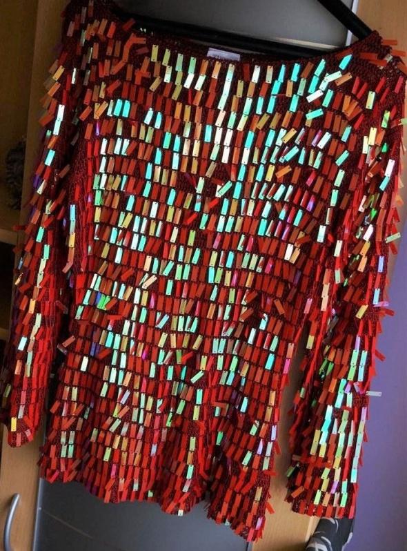 Bluzka damska sweter czerwona cekiny błyszczy mieni się rozmiar L