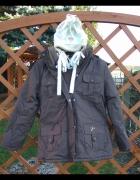 Nowa brązowa kurtka z czapką 134 140