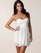 piękna biała sukienka romantyczna śliczna z zipem