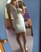 Biała obcisła sukienka cut out...
