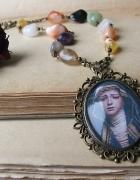 naszyjnik medalion kamienie agaty Matka Boska vintage...