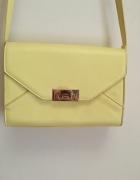 żółta mała torebka...