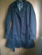 Czarny jesienny płaszcz rozmiar 40