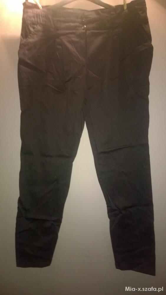 Spodnie Czarne materiałowe spodnie rozmiar 46