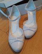 Buty białe do ślubu...