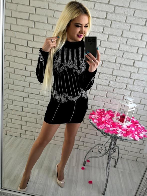 44a166d2fe Czarna welurowa sukienka z cyrkoniami w Suknie i sukienki - Szafa.pl
