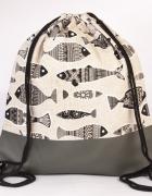 Szare ryby plecak ręcznie szyty