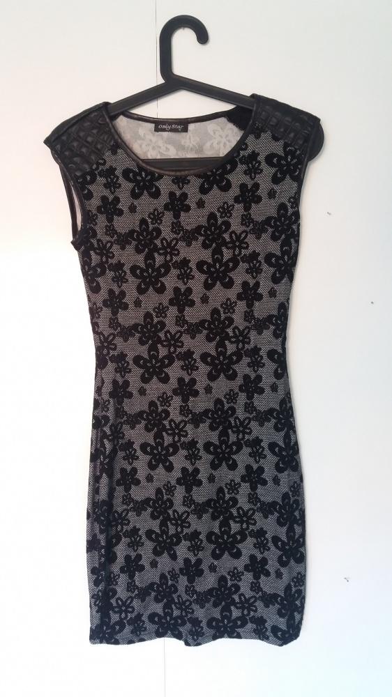 Piękna czarna sukienka ze zdobieniami...
