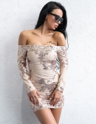 Przepiękna sukienka odkryte ramiona aplikacja cekinowa na wesele XSS