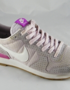 Nike WMNS Internationalist...