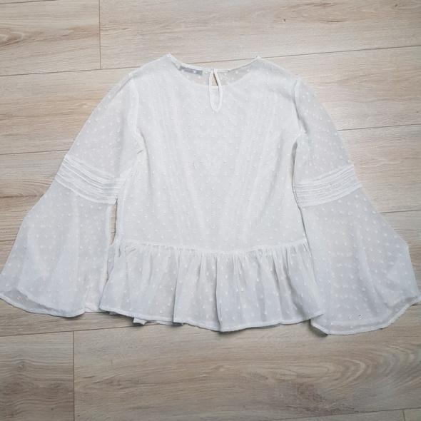 Hit biała koronkowa zwiewna bluzeczka bufka