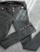 Bardzo oryginalne spodnie Bershka XS 34