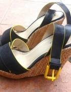 wyższe czarno żółte koturny 39