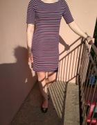 Sukienka w poziome paski