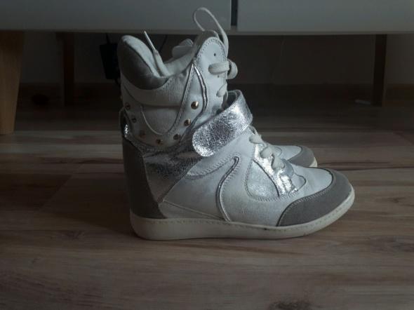 sneakersy sportowe buty na koturnie 39