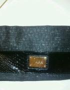 czarna torebka kopertowa duża