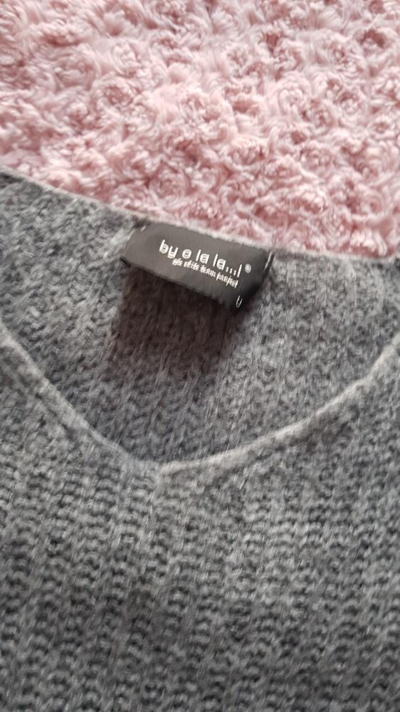 Sweter by Ola la