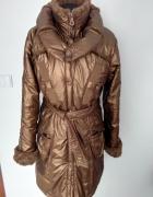 płaszcz złoty metaliczn