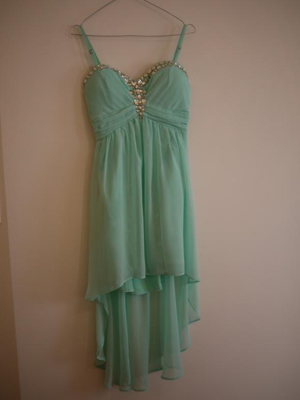 Miętowa sukienka asymetryczna weselna ramiączka