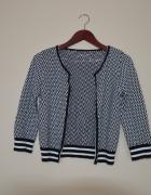 sweterek zapinany styl Alicja w krainie czarów