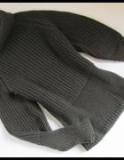 Bardzo ciepły sweter z golfem rozmiar L i XL albo oversize